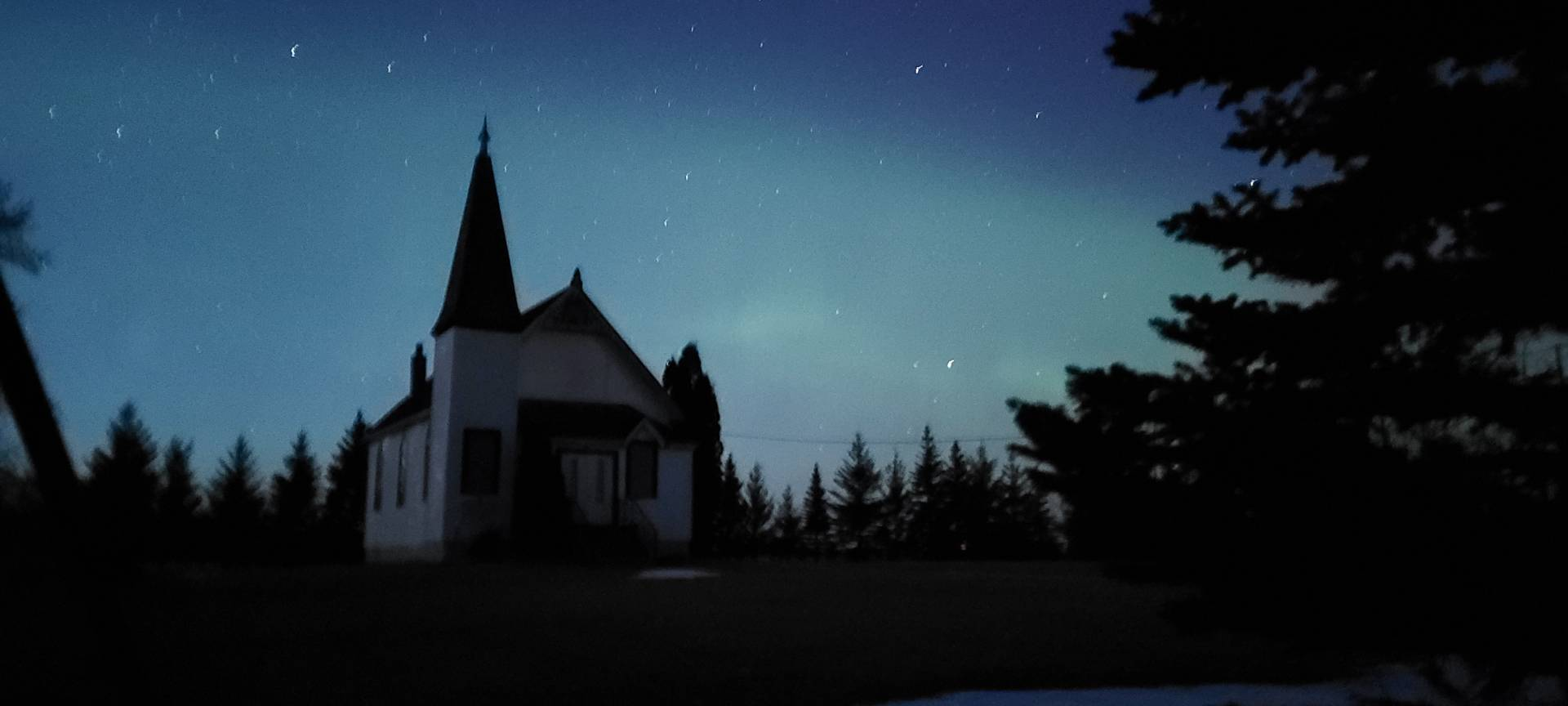 Just arrived on location, already seeing some Aurora!