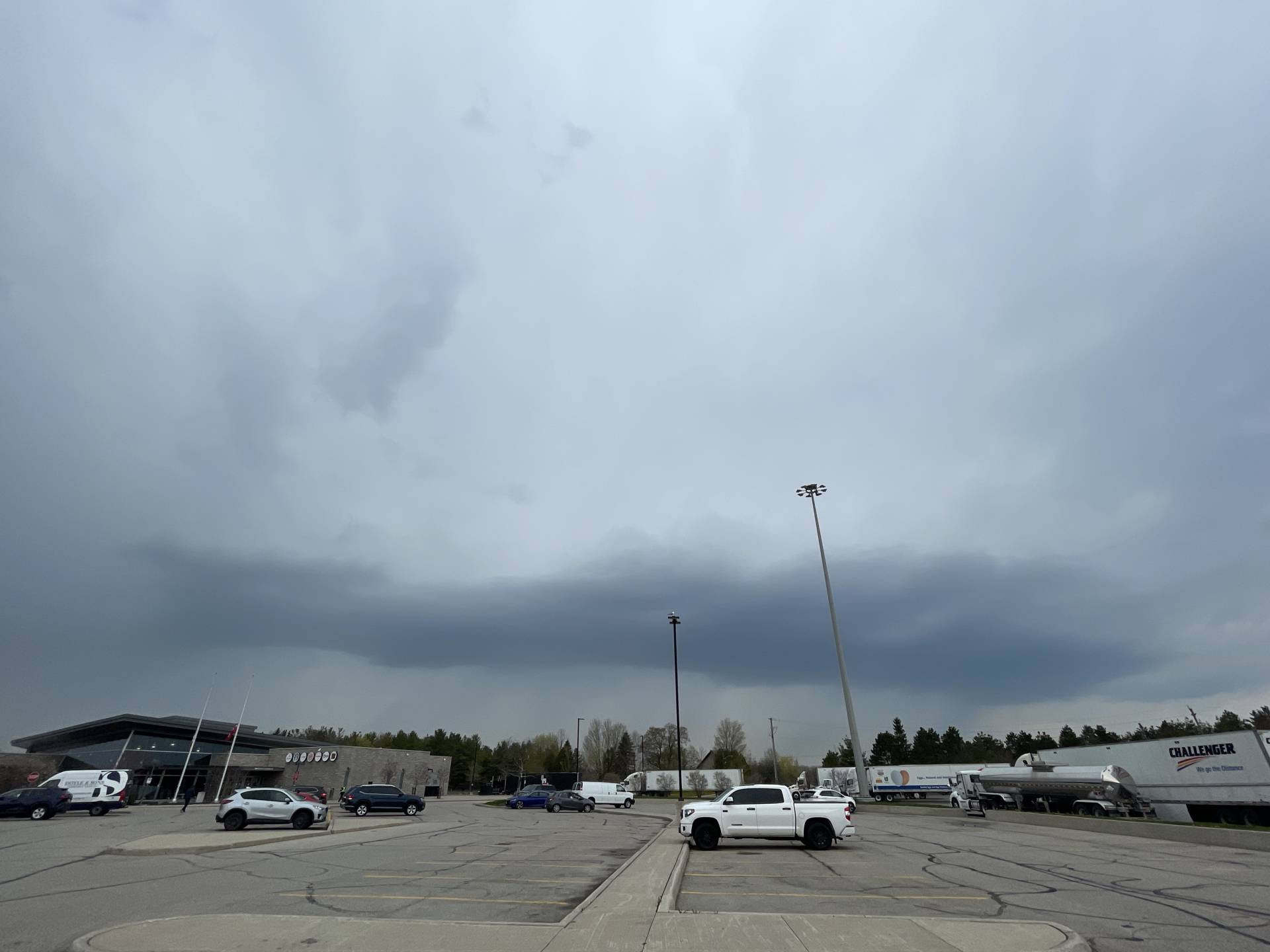 Little #onstorm cells coming into Cambridge