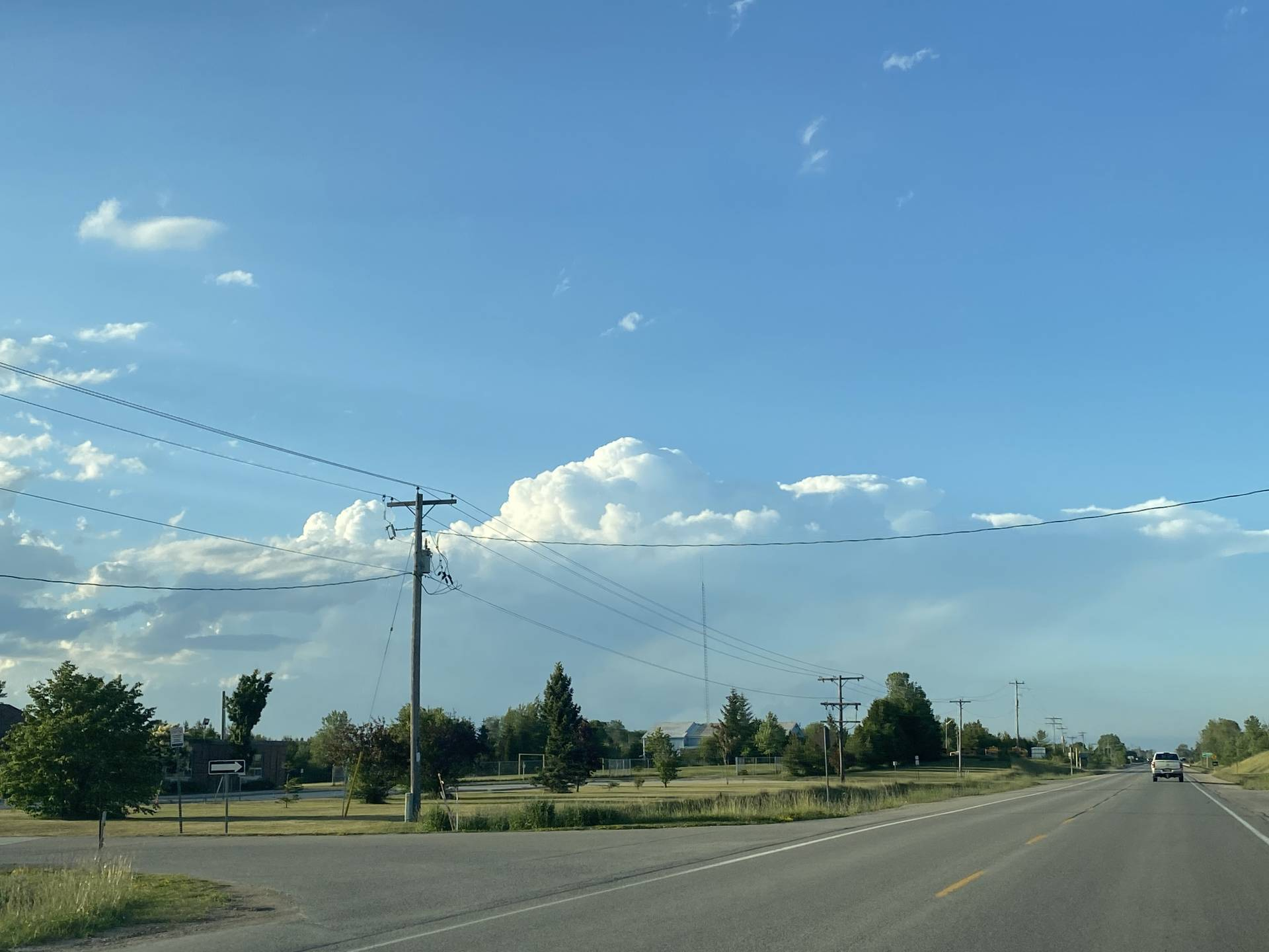 And here we go, some initiation starting just north of Kincardine. Some structure is now visible! #OnStorm #OnWx