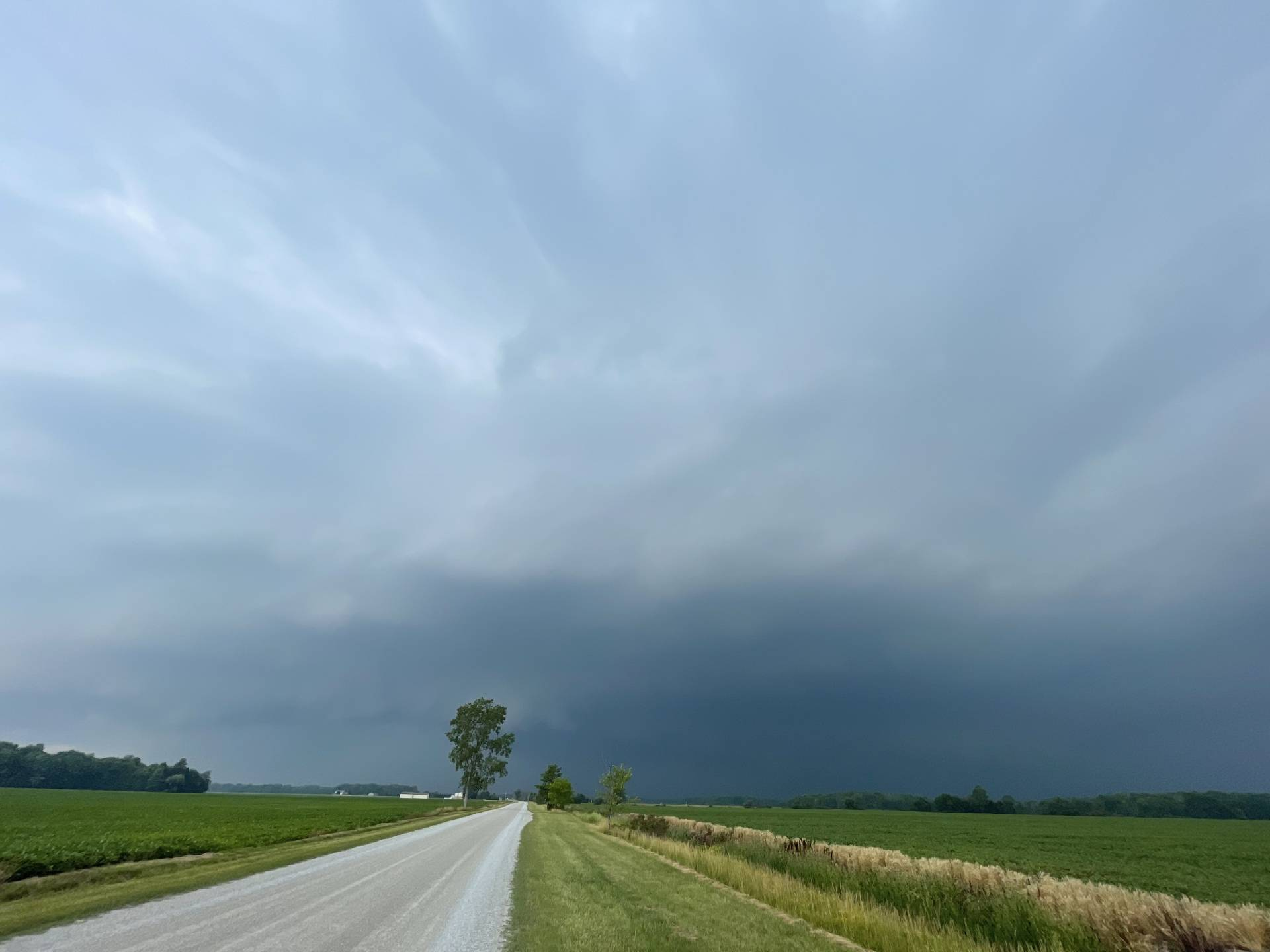 Position in front of this beast of a cell coming toward Oakdale #onstorm 3:49pm