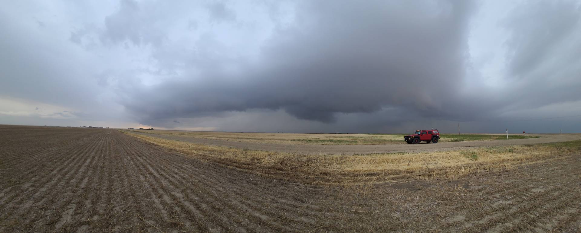 Nice to finally see a little structure in the skies! Torquay, SK 6:05pm  #skstorm