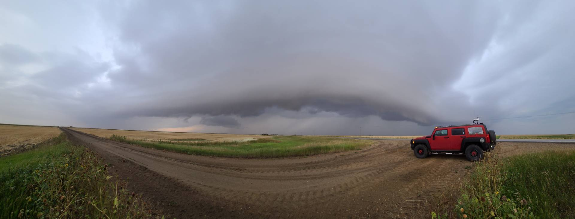 East of Torquay, SK right now! 🤤🤤🤤 #skstorm