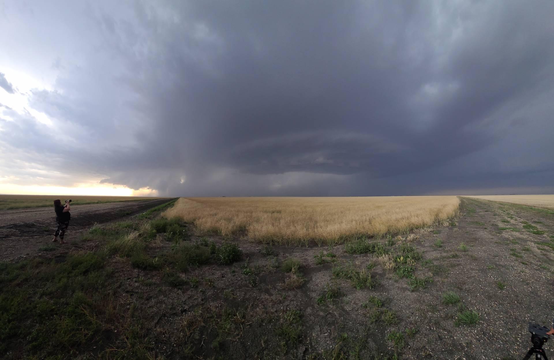Tornado warned thunderstorm SW of Pitman, SK #skstorm